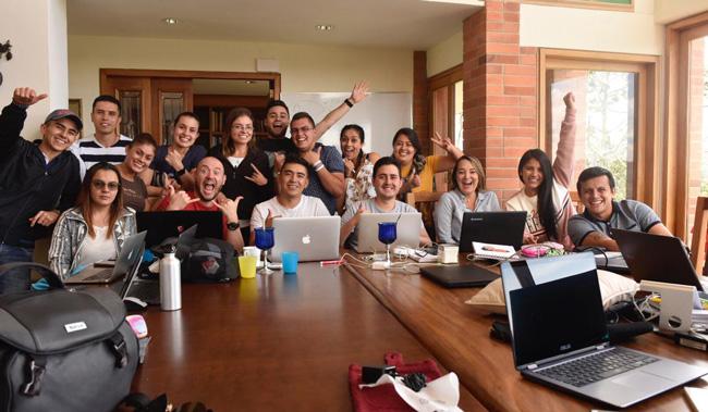 Todo el grupo del bootcamp de emprendimiento con Daniel Tirado