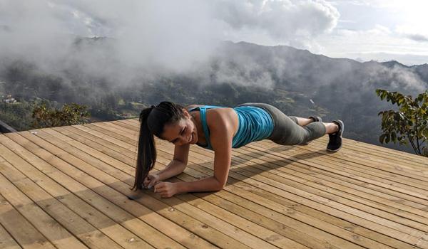 Yoga en el bootcamp de emprendimiento con Daniel Tirado