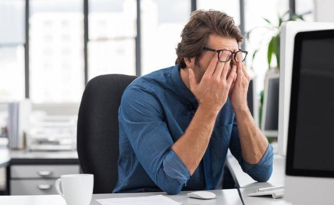 Se premia el estrés y el exceso de trabajo, poniendo en riesgo la salud física, mental y emocional